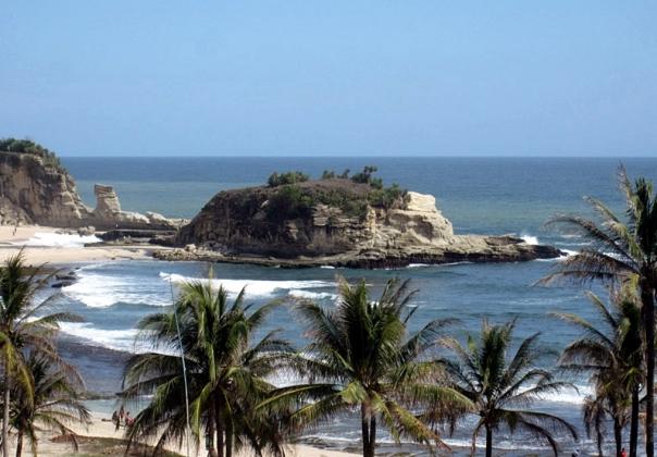Pantai Klayar dari Atas Bukit