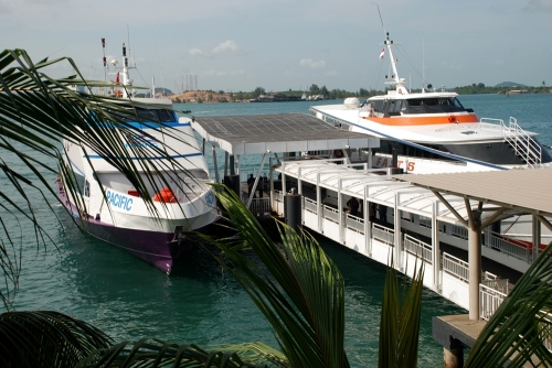 ferry yang mangkal di batam center